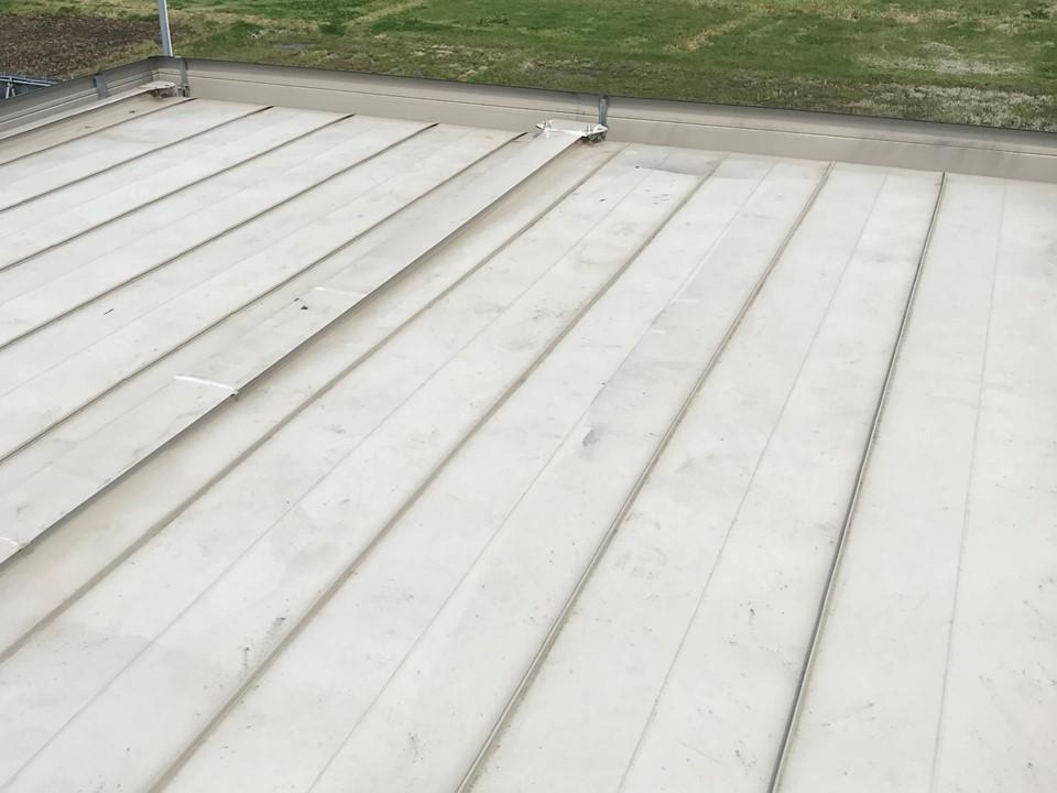 スーパーハウスの屋根にスカイ工法
