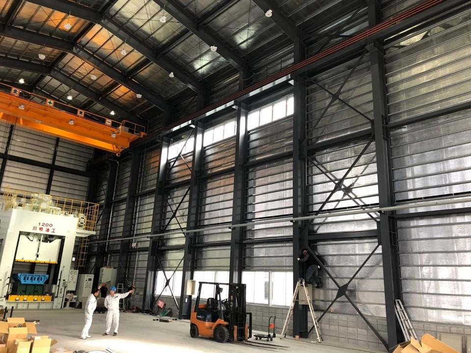 新工場の「屋根+壁」にご採用!様