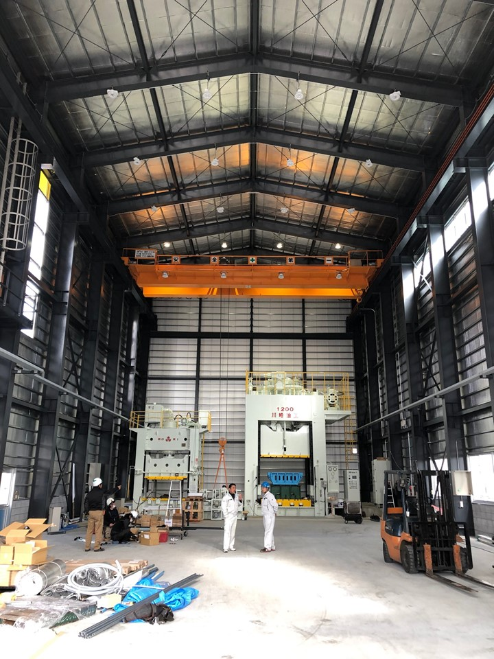 新工場の「屋根+壁」にご採用!