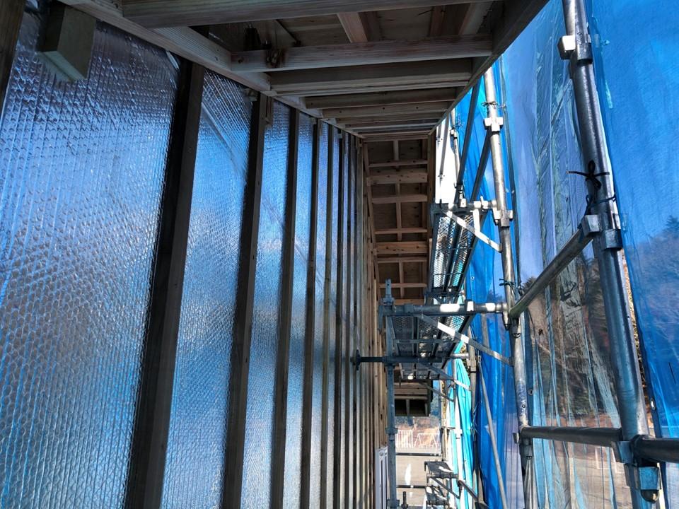 外張り断熱材とサーモバリアSの<br>二重気密層で超高気密住宅