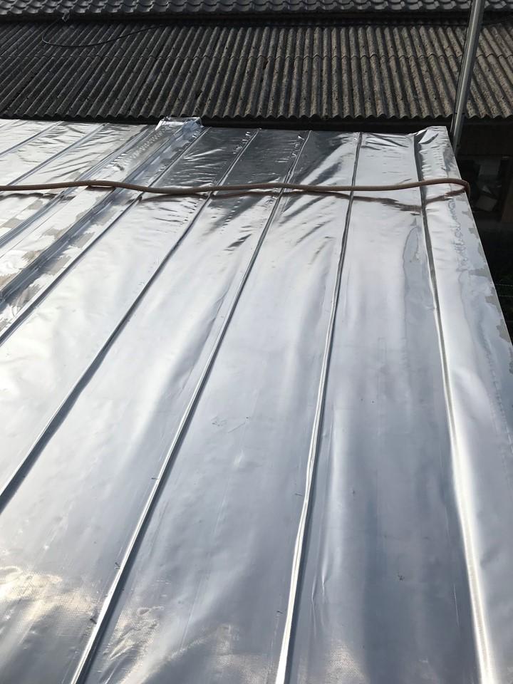 鋳型部品製造の工場でスカイ工法
