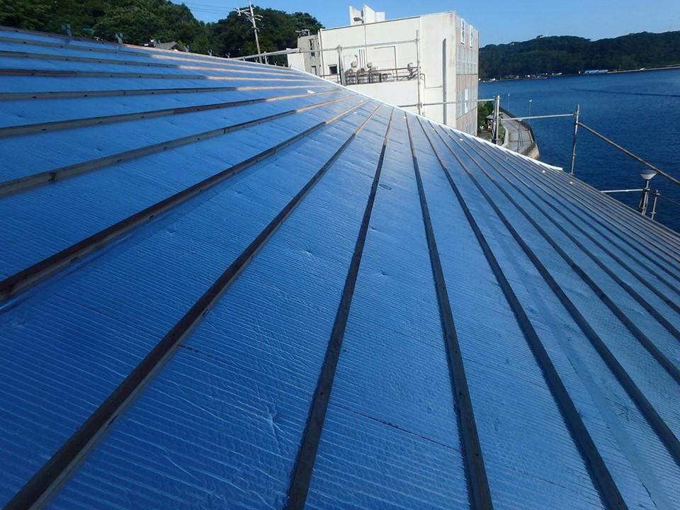 屋根全体をサーモバリアSで遮熱