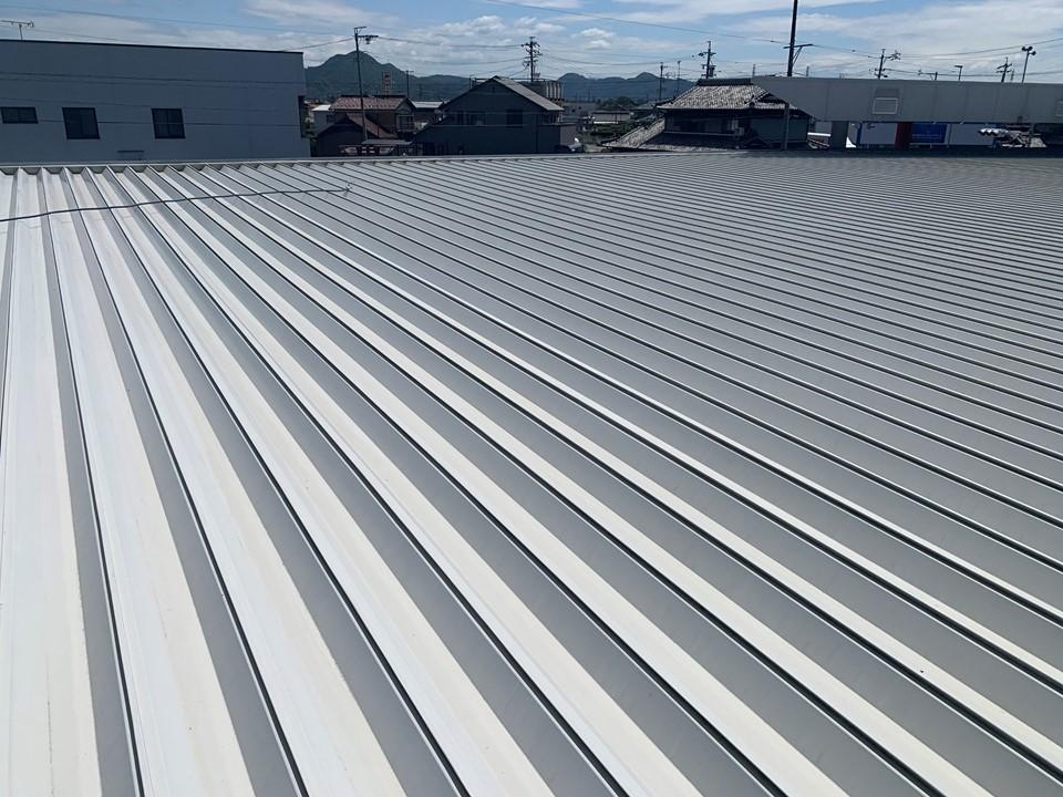 折板屋根の雨漏り対策でスカイ工法採用