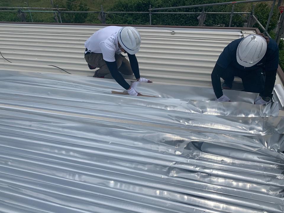 個人宅の折板屋根にスカイ工法様