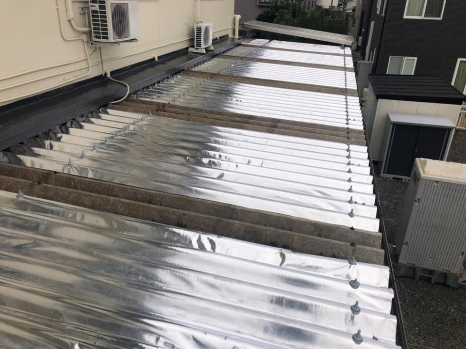 倉庫屋根にサーモバリア