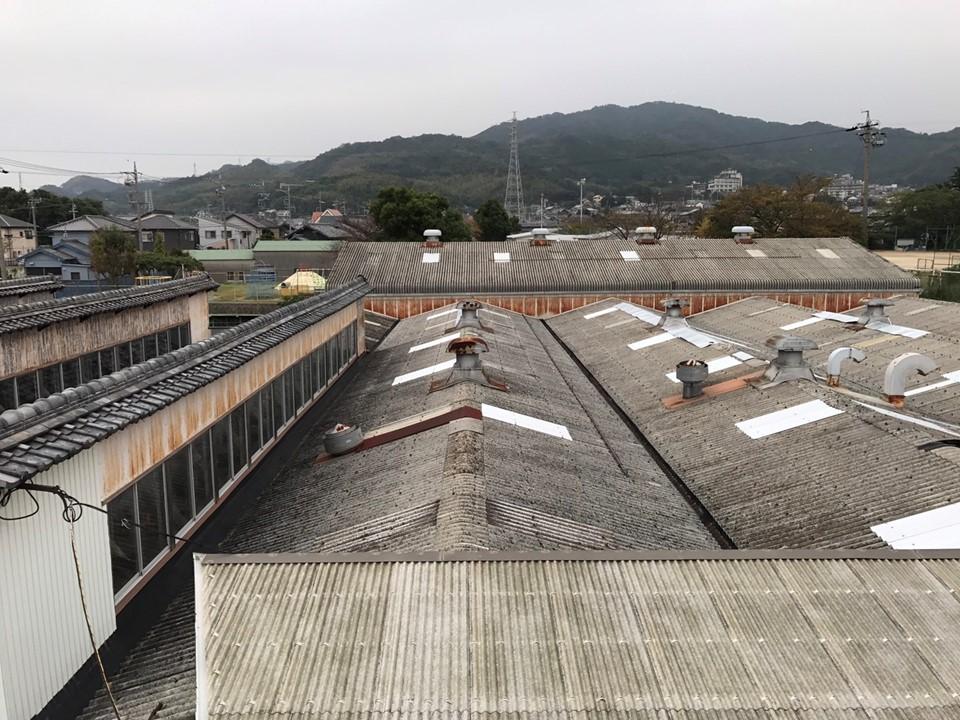 スレート屋根にカバー工法で<br>サーモバリアスリムで遮熱対策!